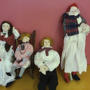 Dickens Figurines from Don Bowcutt